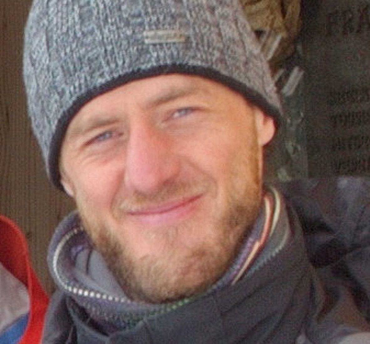 Alex Boninsegna hat in Padova Forst- und Umweltwissenschaften studiert. Als begeisterter Bergsteiger ist er aufs Albina Projekt gestoßen und dem Thema Schnee und Warnung nähergekommen. Hat seinen Dienstsitz beim Lawinenwarndienst Südtirol.