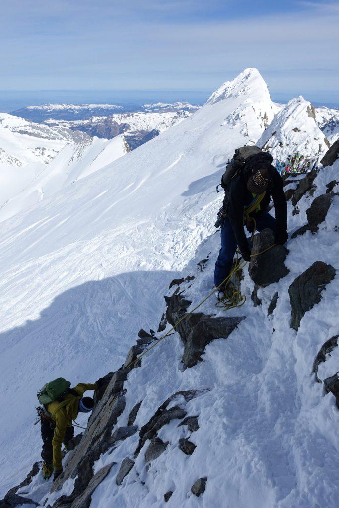 Gehen am kurzen Seil, Foto: Bruno Hasler I bergundsteigen.blog