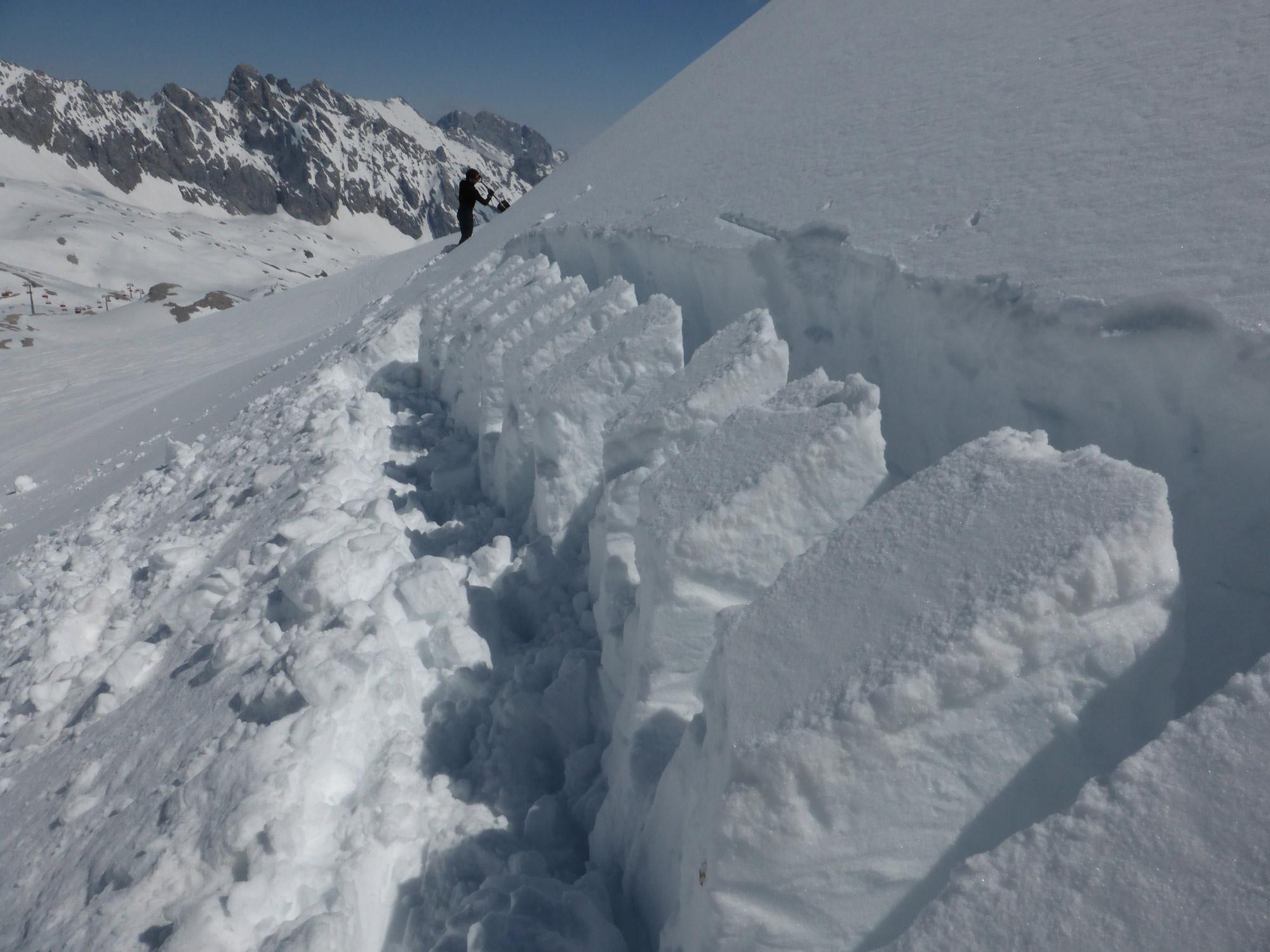 Die Auswirkung von vertikaler und seitlicher Belastung auf Schwachschichten bei Schneedeckentests Manfred Steffl Pic by Steffl Kronthaler #bergundsteigen105