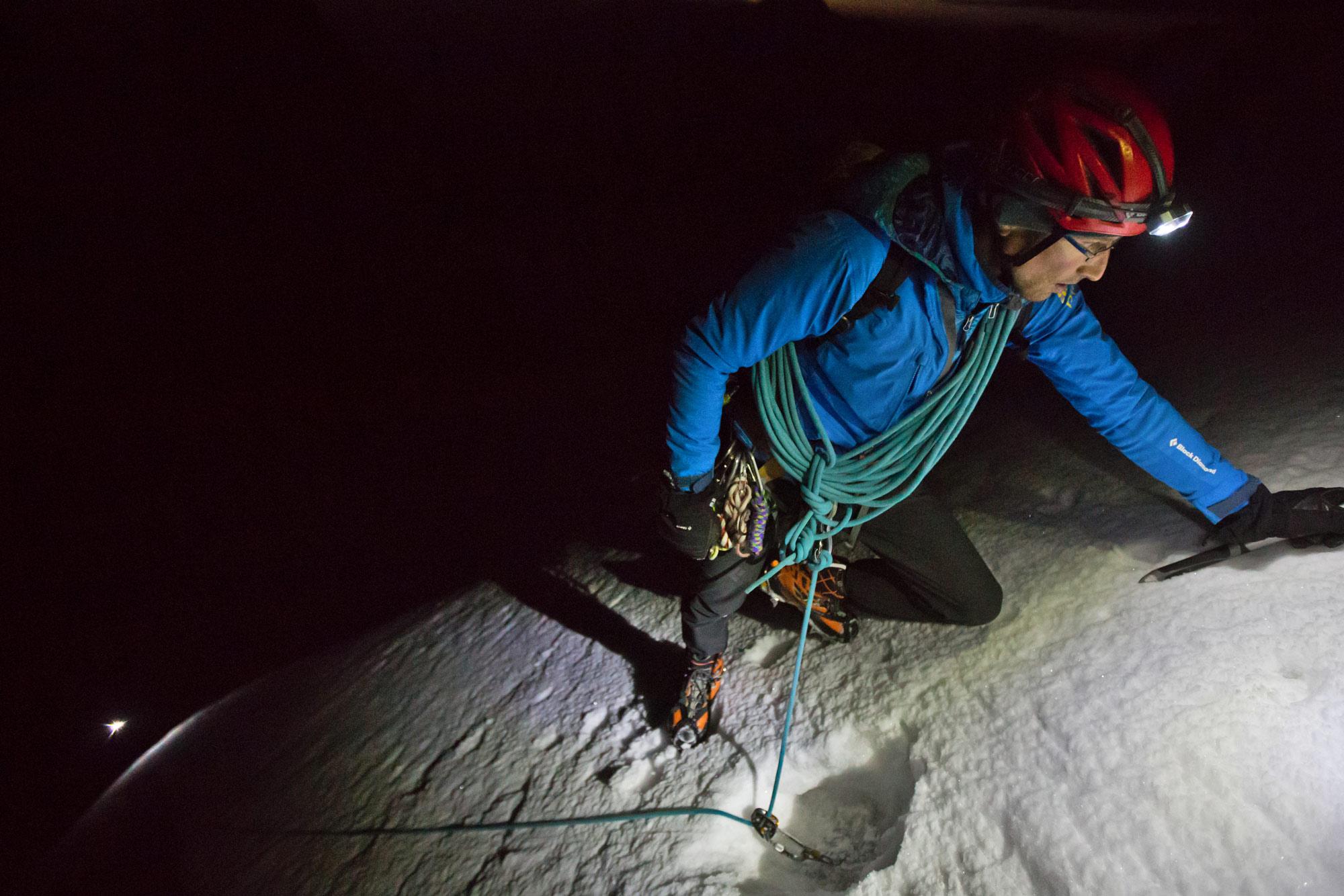Seiltechnik aus der Grauzone. Ein Alpin-Tutorial als Foto-Story Florian König und Arne Bergau Pic by Baschi Bender