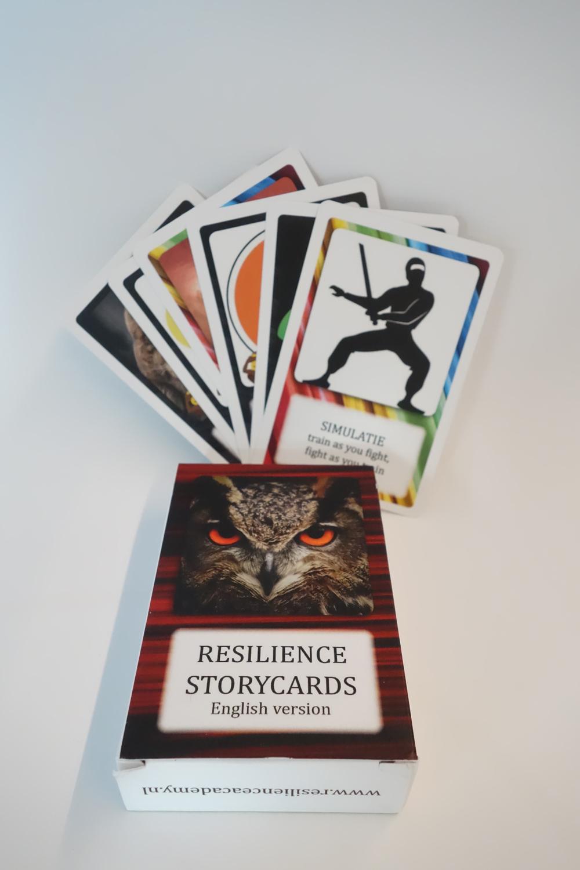 """Die Resilience Storycards wurden von unseren Autoren Anne van Galen und John van Giels zum Training für """"gute"""" Entscheidungen herausgebracht. I bergundsteigen.blog"""