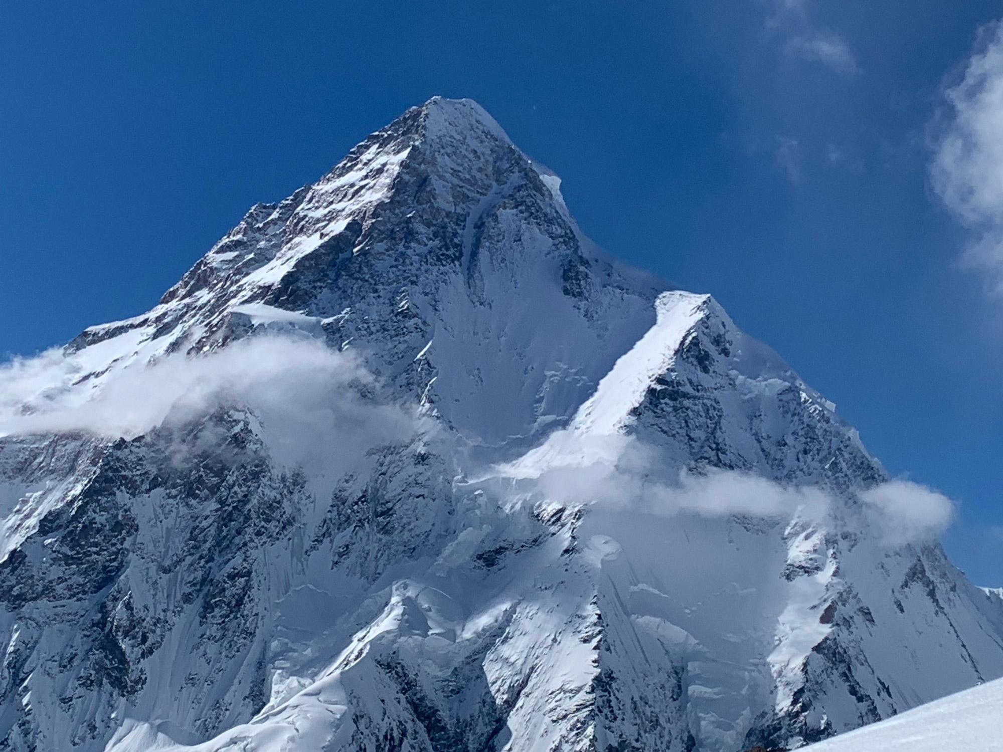 Der K2 aus ungewohnter Perskektive I bergundsteigen.blog