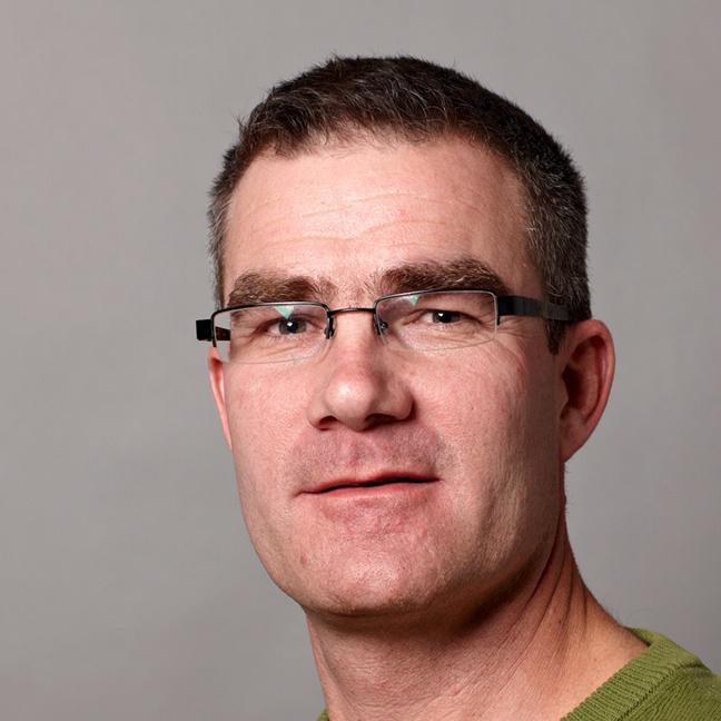 """Christoph Martyist Ph.D. (World Radiation Center und IAC ETH Zürich) und arbeitet am SLF in den Gruppen """"Schnee und Permafrost"""" sowie """"Wintersport und Klima""""."""