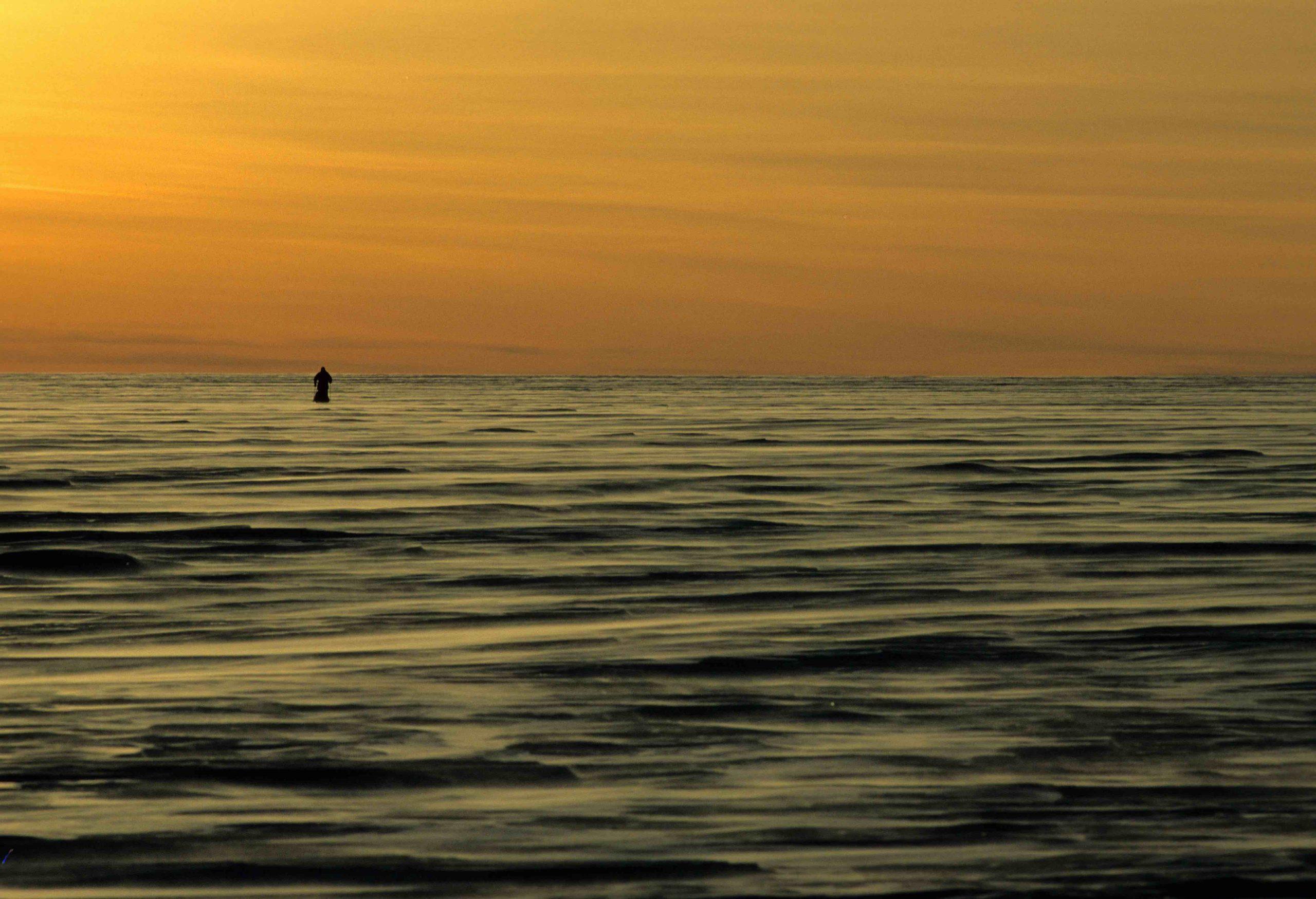 Abb. 11 Der Norweger Børge Ousland 1996/97 auf der ersten Solo-Durchquerung des antarktischen Kontinents zwischen beiden äußeren Rändern des Ronne-Filchner- und des Ross-Schelfeises – mit über 2.845 zurückgelegten Kilometern sprengt er die Grenzen des vorstellbar Möglichen. Foto: Archiv Børge Ousland