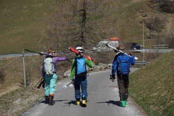 Skitourenausrüstung 2020/21 Schuhe I bergundsteigen.blog